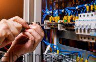 جهاز تنظيم الكهرباء يوضح كيفية التعامل مع مصاب الصعق الكهربائي