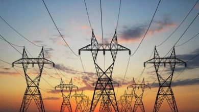 "Photo of ""شاكر"" يستعرض 73 مشروع فى البنية التحتية من ضمنها الربط الكهربائى بين مصر والسودان"