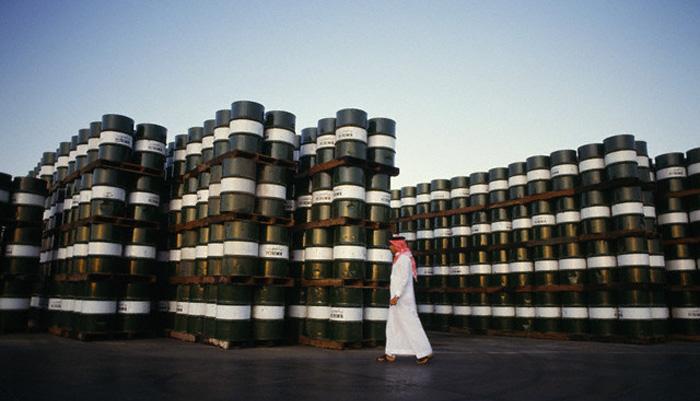 الهند تقرر خفض وارداتها النفطية من السعودية مايو المقبل
