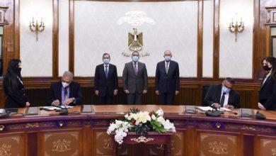 Photo of رئيس الوزراء يشهد توقيع عقد إنشاء مجمع للبتروكيماويات بالسخنة بـ7,5 مليار دولار