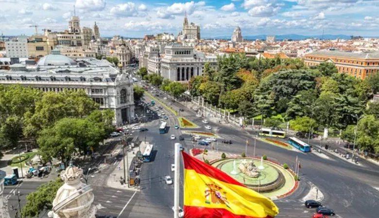 """بنص القانون..تشكيل نقابات عمالية لـ""""بائعات الهوى"""" بإسبانيا"""