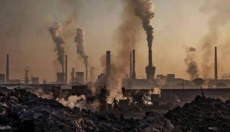 الصين تفتتح أكبر سوق لتداول حصص انبعاثات الكربون