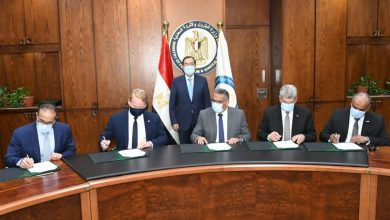 Photo of مصر توقع عقد تنفيذ أكبر مشروع للبتروكيماويات فى أفريقيا بالعين السخنة