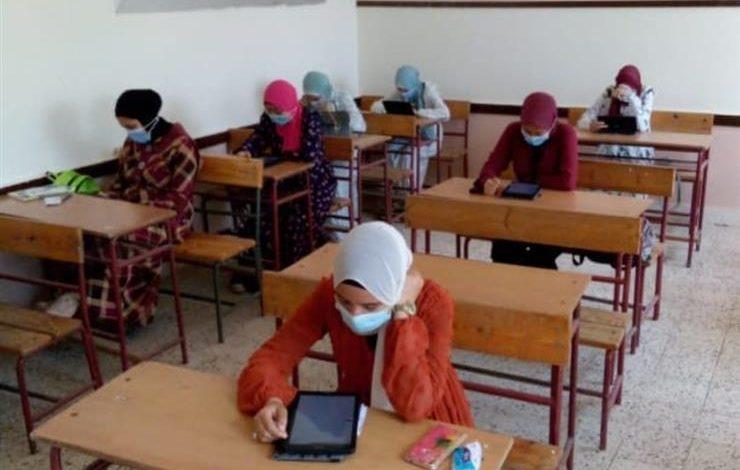 255 ألف و353 طالب يؤدون امتحان اللغة العربية في ثاني أيام امتحانات الثانوية