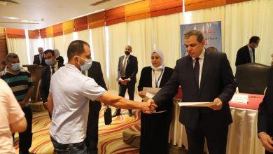 Photo of وزير القوى العاملة يسلم 114 عقد عمل لذوي الهمم بالإسكندرية