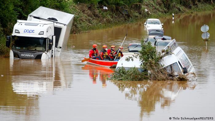 الجيش ينضم لعمليات الإنقاذ بألمانيا عقب فيضانات غرب البلاد