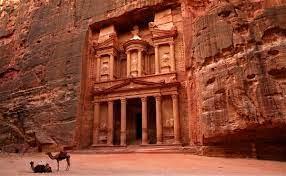 """Photo of للتعامل مع الظروف الصعبة..الأردن: تحويل فنادق ومطاعم البتراء لبرنامج """"استدامة+"""""""