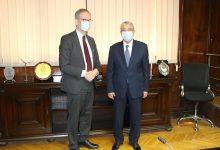 Photo of وزير الكهرباء المصري يبحث مع سفير السويد سبل دعم التعاون بين البلدين