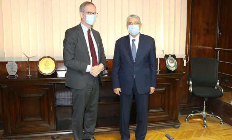 وزير الكهرباء المصري يبحث مع سفير السويد سبل دعم التعاون بين البلدين